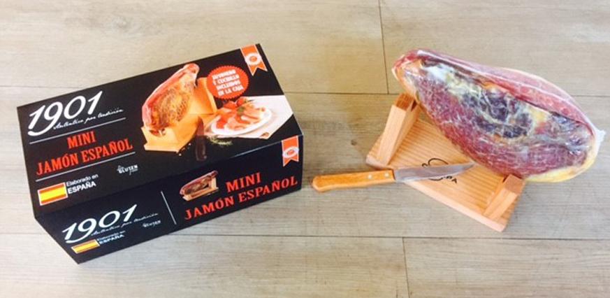 Vleesimporteur Willem van de Velde importeert de Mini Jamon Espagnol naar Nederland. Een Spaanse mini rauwe ham van sublieme kwaliteit.